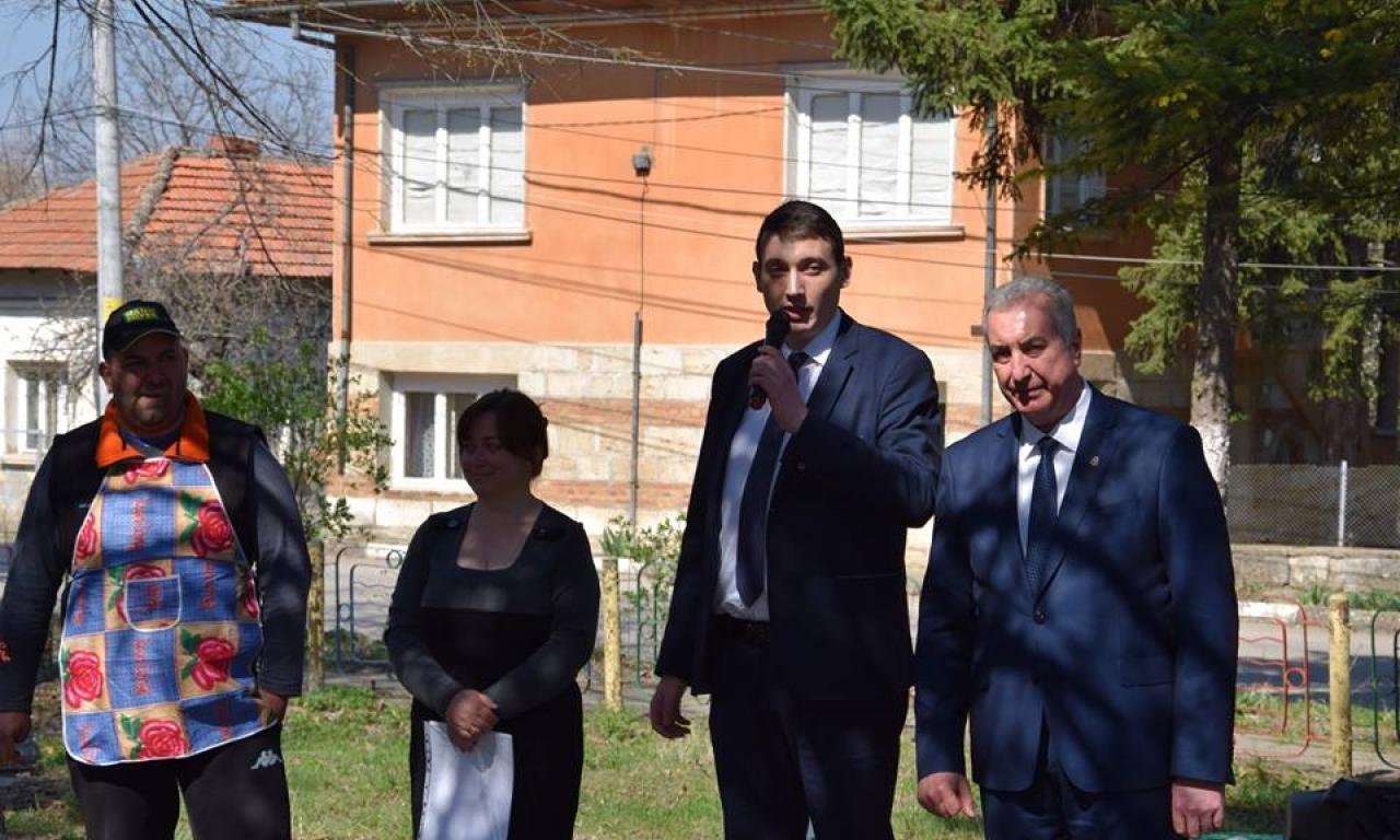 Заместник областният управител Лъчезар Попиванов бе гост в с.Синаговци