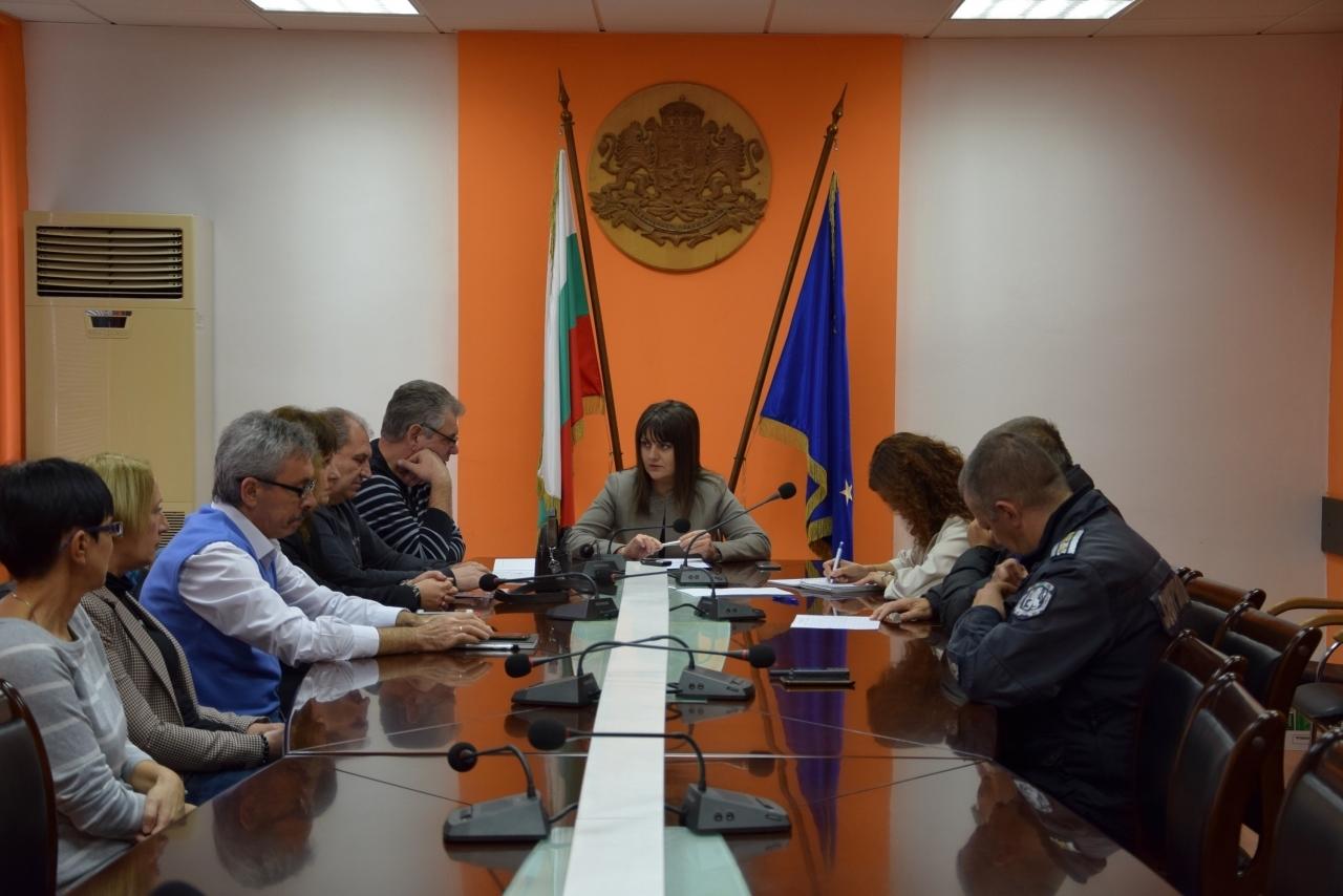 Областният управител Албена Георгиева председателства заседание на Областната комисия по епизоотиите