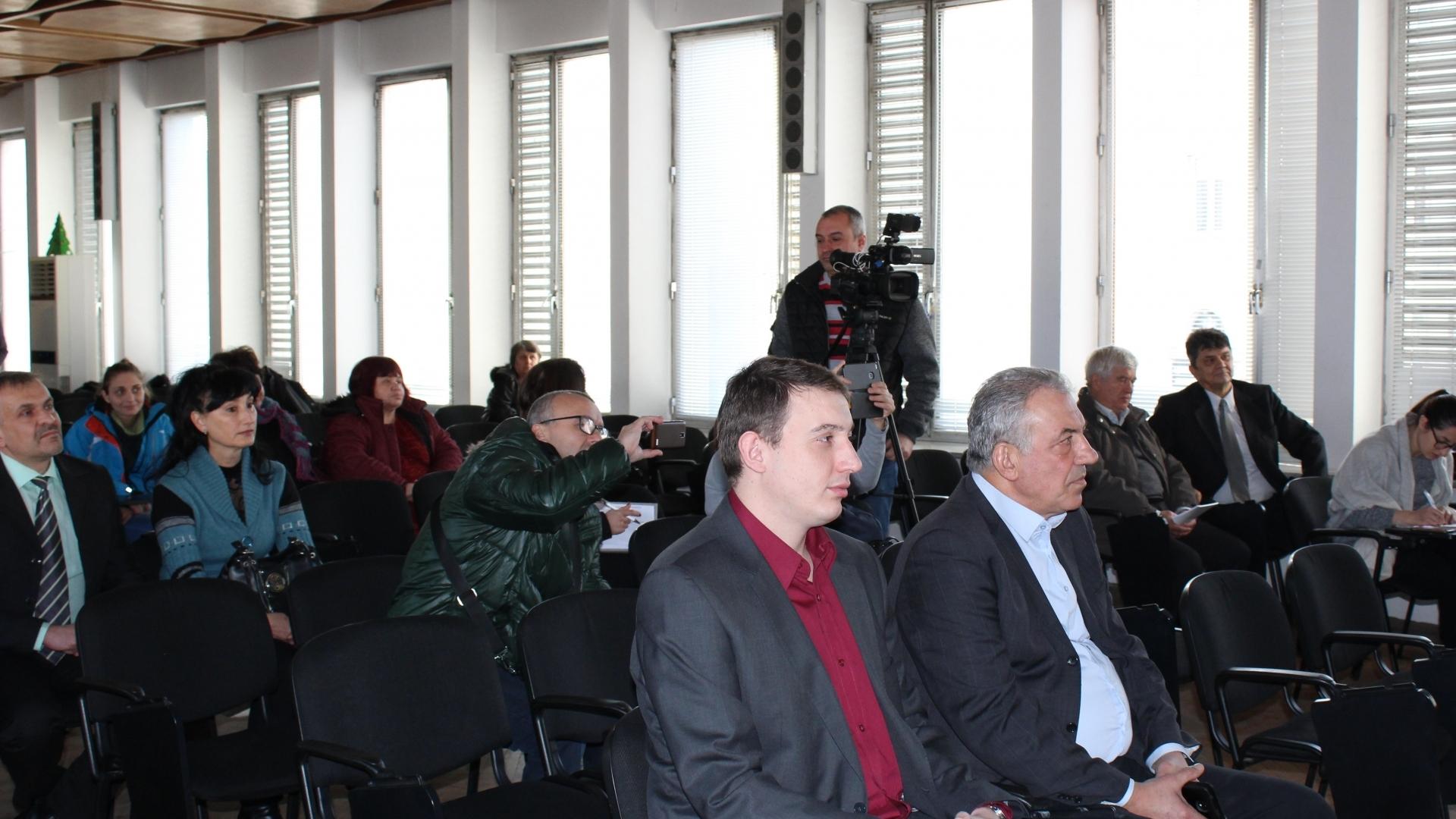 """Заместник областният управител Лъчезар Попиванов присъства на  представяне на дейностите по проект """"Подобряване на състоянието на образователната инфраструктура в град Видин"""""""